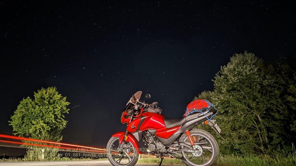 2021_09_04_sa_01_081_honda_cb125f_schirimobil_nachts_bei_mindelheim.jpg